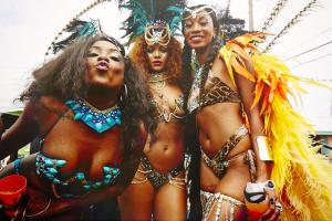 Rihanna-Crop-Over-9