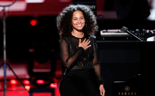 """Watch: Alicia Keys & Adam Levine Perform """"Holy War"""" on 'The Voice"""
