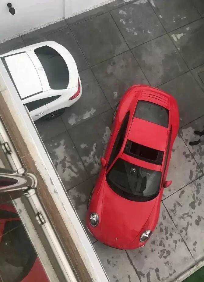 Davido Buys A 2017 911 Carrera