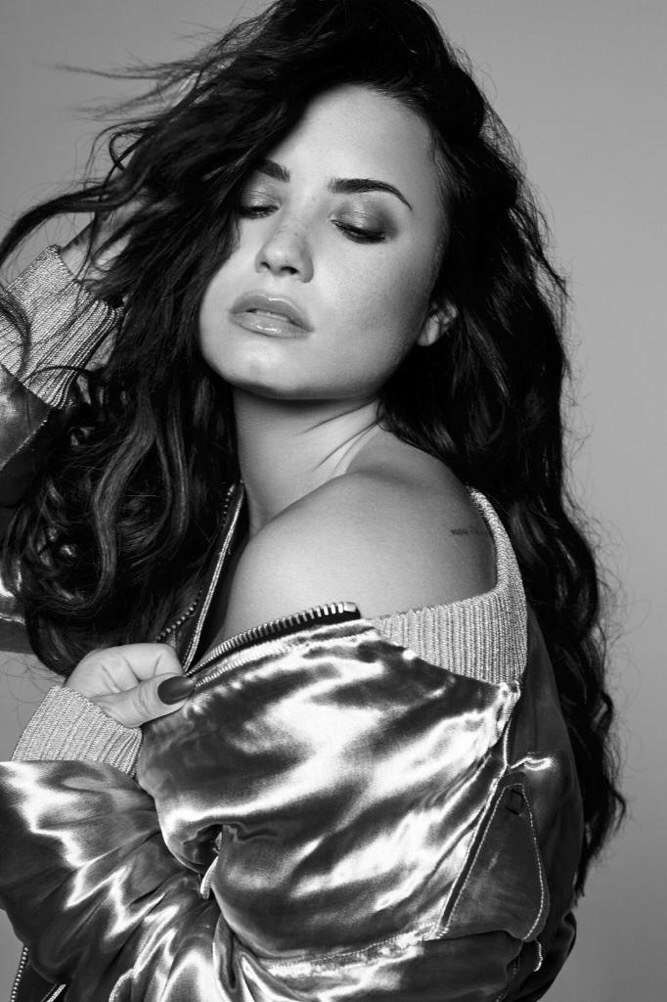Music: Demi Lovato - Sexy Dirty Love