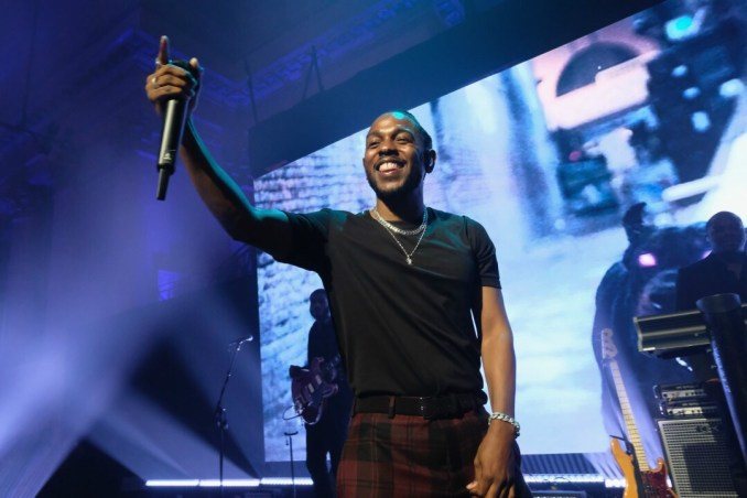 """Watch Kendrick Lamar and Rihanna Perform """"Loyalty"""" at TDE's Fourth Annual Toy Drive"""