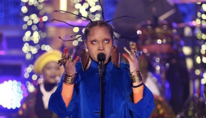 "WATCH ERYKAH BADU COVER NIGERIAN MUSIC LEGEND FELA KUTI ON ""FALLON"""