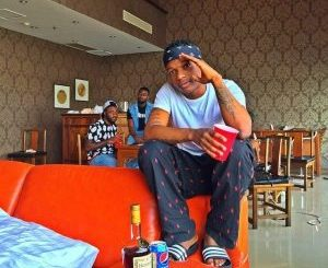 Download Wizkid - Soco