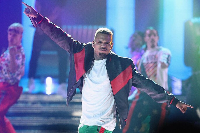 Chris Brown drops a new Freestyle from the toilet