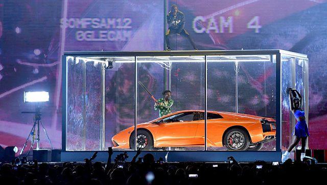 "Watch Kendrick Lamar & Rich The Kid Perform ""NEW FREEZER"" At 2018 Brit Awards"