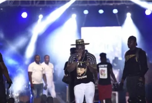 Harrysong Breaks Records; Sells Out The 40,000 Capacity Warri City Stadium.