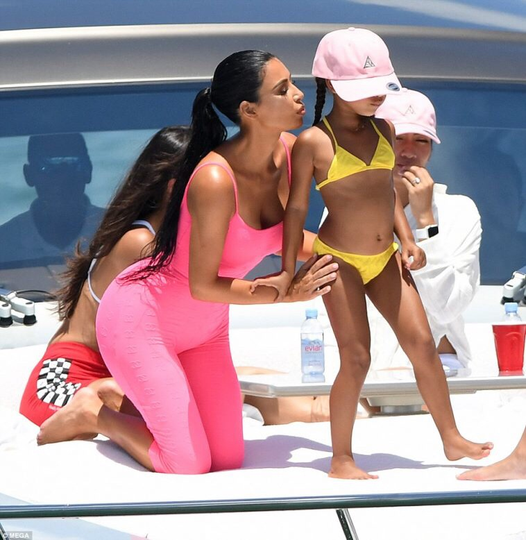 Kim Kardashian flaunts stunning figure on boat with North West