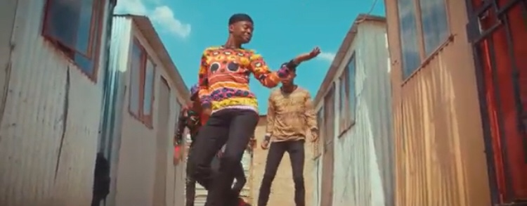 DJ Vetkuk vs Mahoota – Ziwa Murtu ft. Kwesta (Video)
