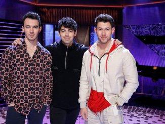 Jonas Brothers - Greenlight