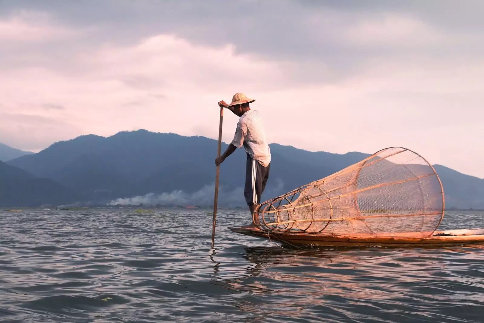 What you should give up to be happy again (the story of a Fisherman and a Banker)