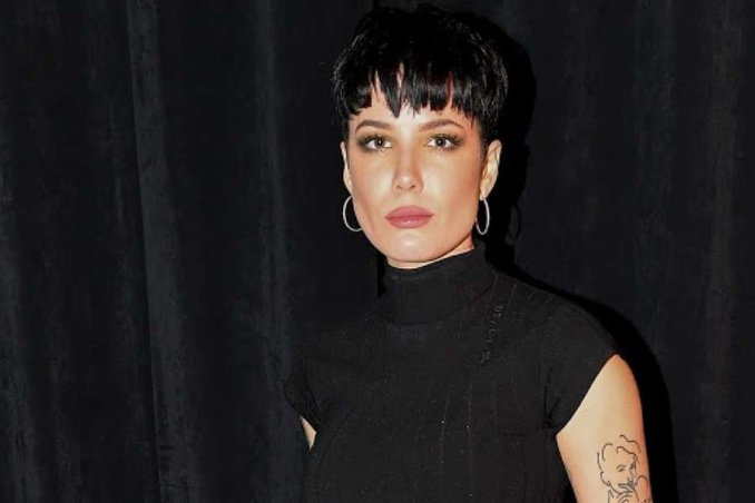 Halsey Hit With Rubber Bullets While George Floyd Protest