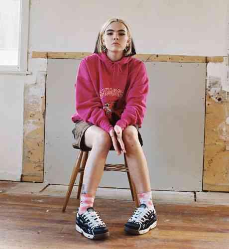 Benee – Plain ft. Lily Allen & Flo Milli (download)