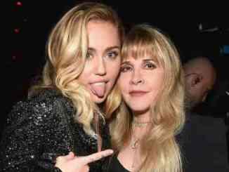 Miley Cyrus x Stevie Nicks - Midnight Sky/Edge of Seventeen mash-up