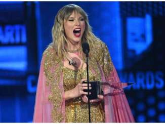 Taylor Swift Named Artist Of The Year Three Times In A Row At AMA's