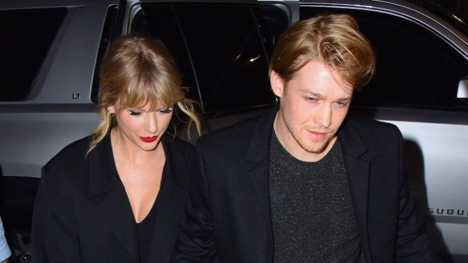 Taylor Swift Share Joe Alwyn Relationship Experience