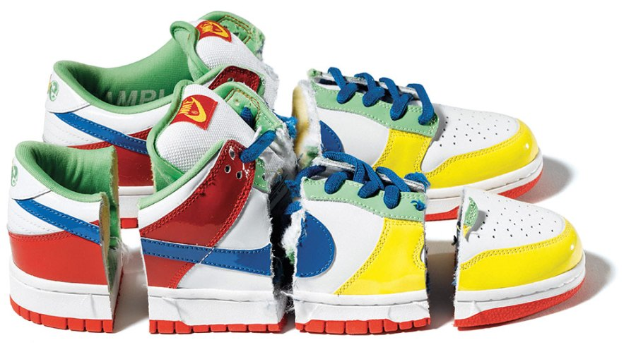 2003: The Holy Grail of SB collecting, the 'eBay' Dunk was auctioned off for charity in 2003, with a winning bid of $ 26k! The anonymous winner received a pair in their size, while the original sample was destroyed by chainsaw. Good luck trying to locate the only pair in existence – let alone add it to your