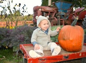 kids fall photos canadian thanksgiving wagon pumpkin