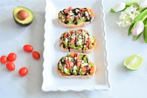 Avocado Brunch Bites | Spring Recipes | Mom Approved Brunch Ideas