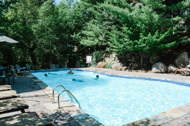 Lodge de la Montagne Outdoor Pool