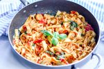 """House of Kerrs shares one of their favourite one-pan, sauceless pasta recipes - Spinach & Tomato """"Plan B"""" Pasta 