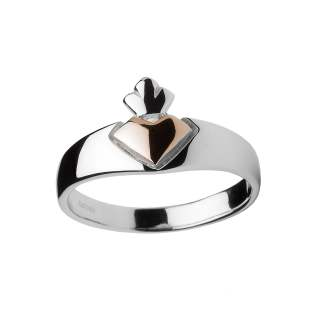 Iconic Claddagh Ring