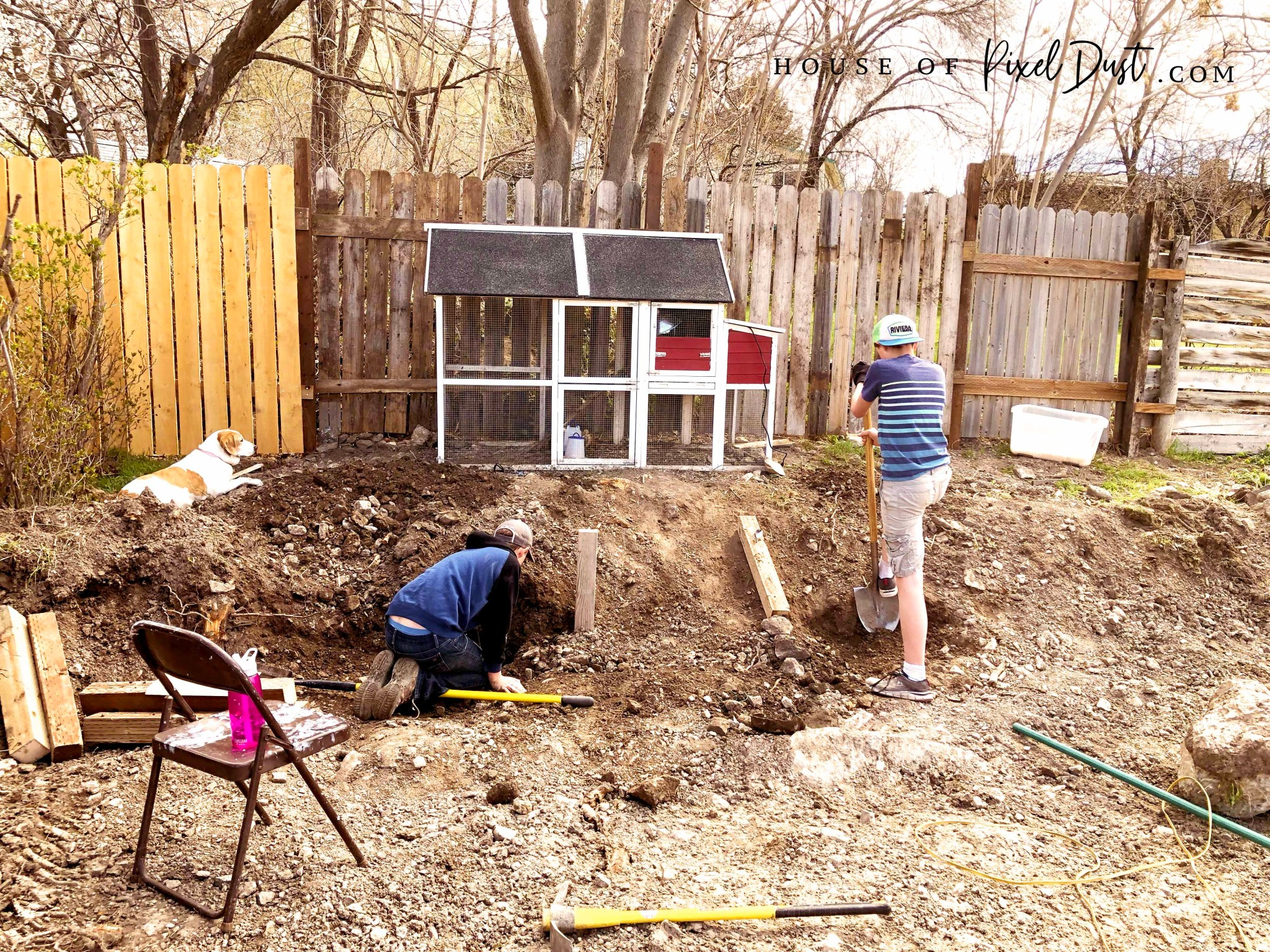 This image has an empty alt attribute; its file name is diy-compass-garden-bed-makeover-04.jpg