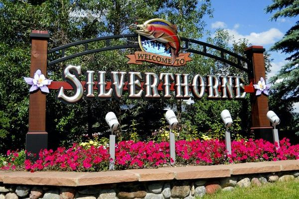 Silverthorne Town Sign