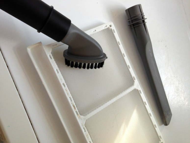cleaning the lint trap