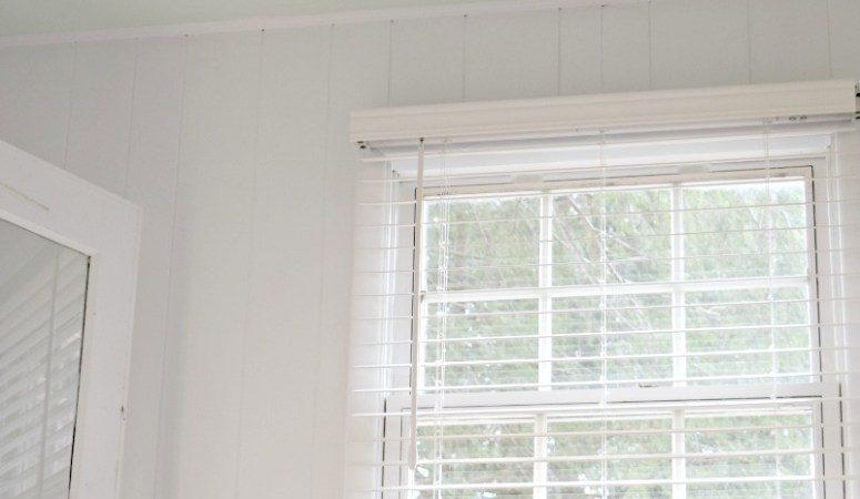 New Blinds in the Craft + Laundry Room