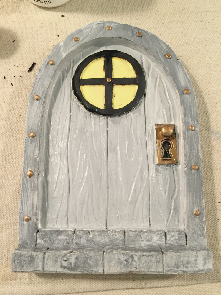 painted-woodland-mouse-door