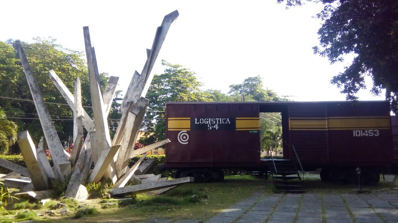 che-guevara-tren-blindado-memorial