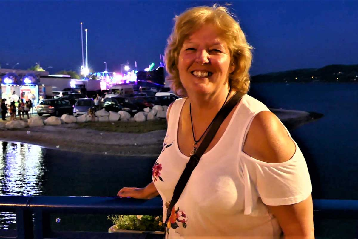 Solo female house sitter traveling at over 50