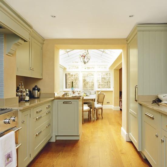 Warm French Style Kitchen Homes Gardens Housetohome