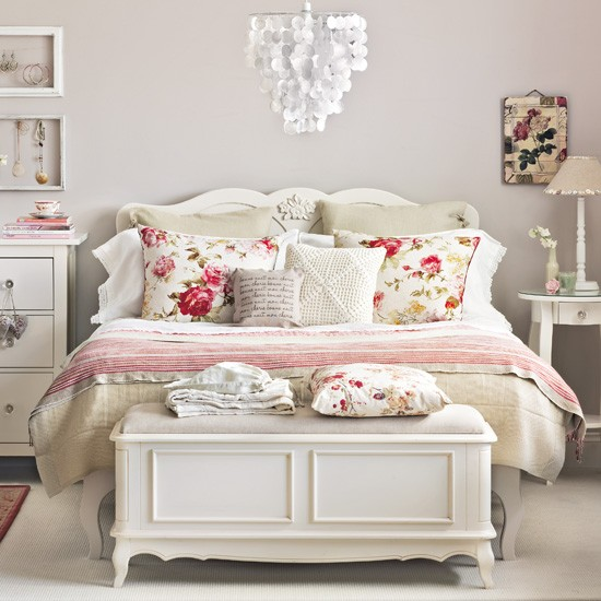 Vintage Design Ideas To Transform Your Bedroom Create A