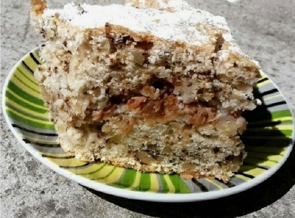 Cinnamon Apple Crumb Cake - Low Carb & Gluten Free Recipe