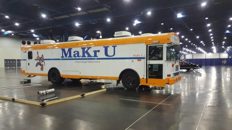 MaKr U Bus