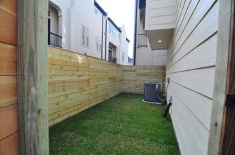 5743kansas-backyard