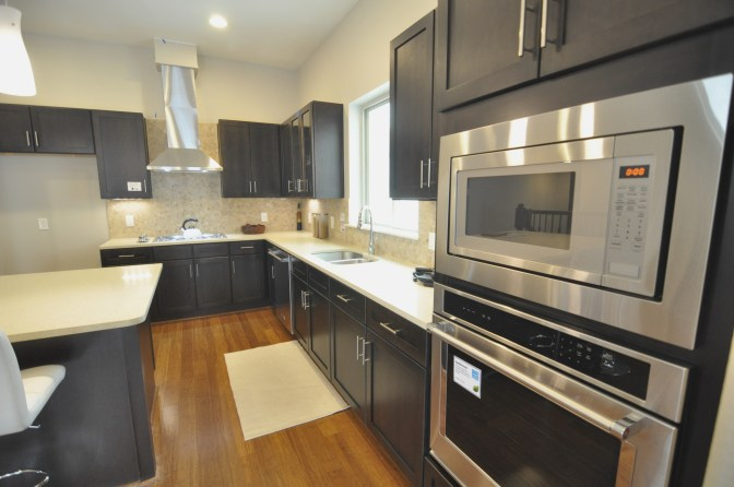 5743kansas-kitchenview1
