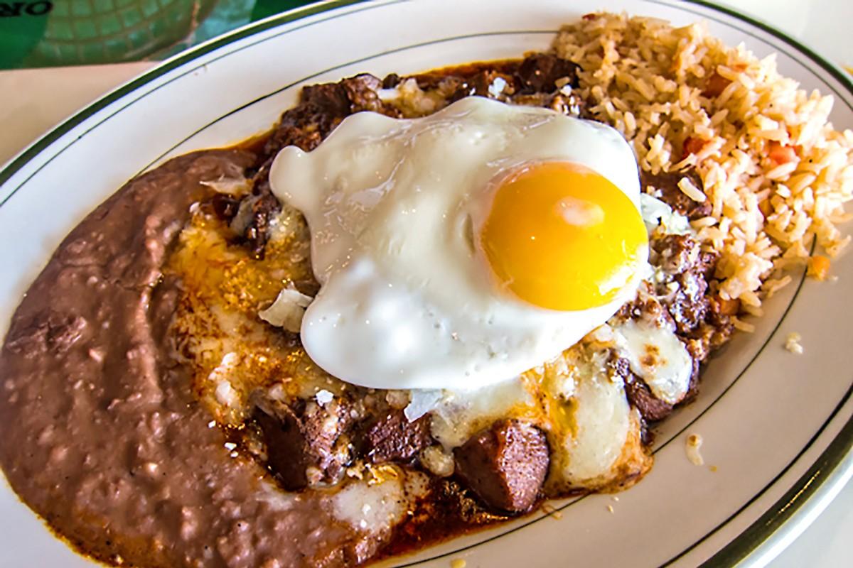 Enchiladas Borunda at El Real