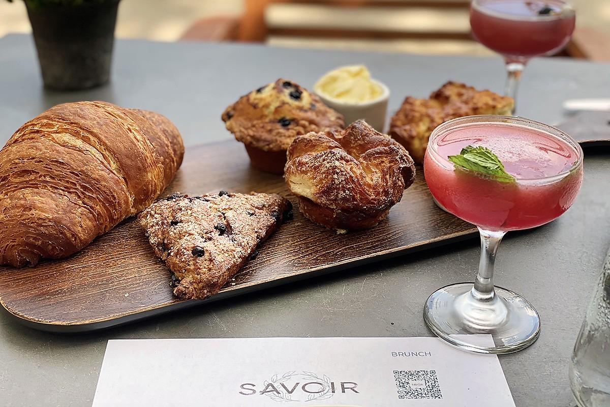 breakfast pastries at savoir