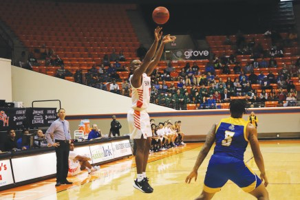 Bearkats' Zach Nutall Has Strong Start to Sophomore Season