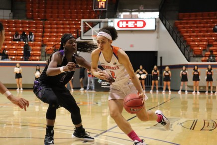 Bearkats Basketball Sweeps UCA, Remain Near Top of Southland