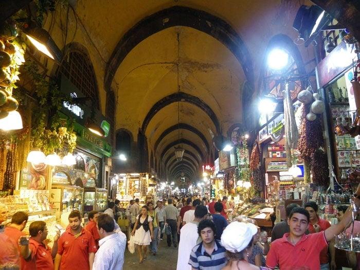 Viajar barato: Compras en el Gran Bazar en Estambul