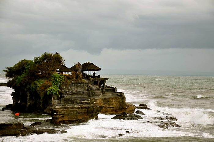 Tanah Lot Temple cerca de Kuta