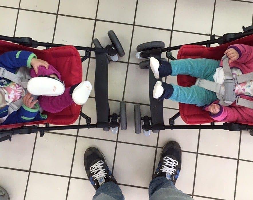 Los 10 mejores trucos para viajar con gemelos o mellizos