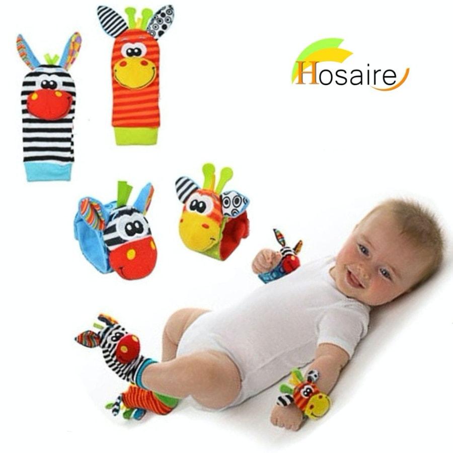 calcetines con sonajeros de Hosaire (también se ponen en la muñeca)