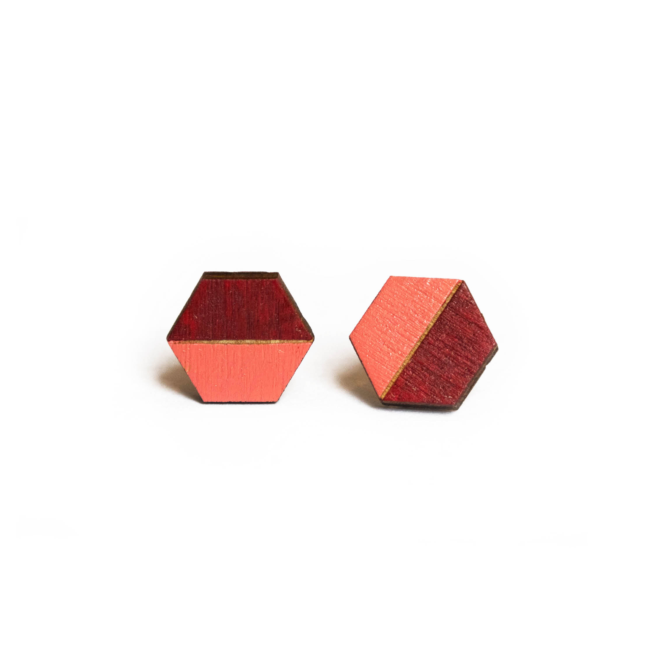 Handgemaakte oorbellen van hout
