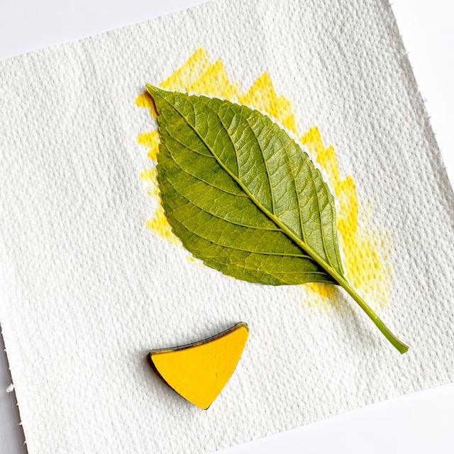blad inkten met geel
