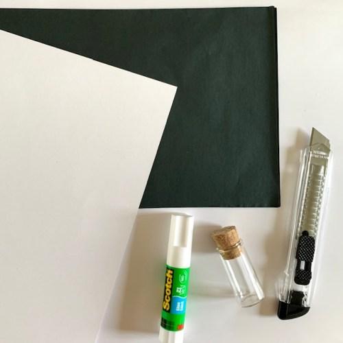 maak je eigen honingraatpapier met dit zwarte zijdepapier
