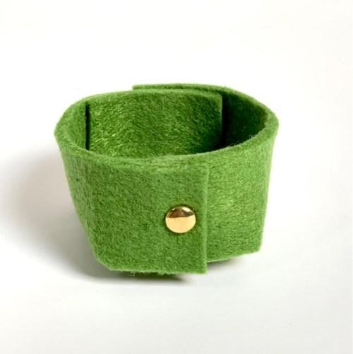 olijfgroen stijlvol vilten mini-mandje